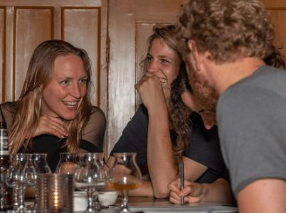 Lachen gieren brullen met het beste teamuitje van Nederland